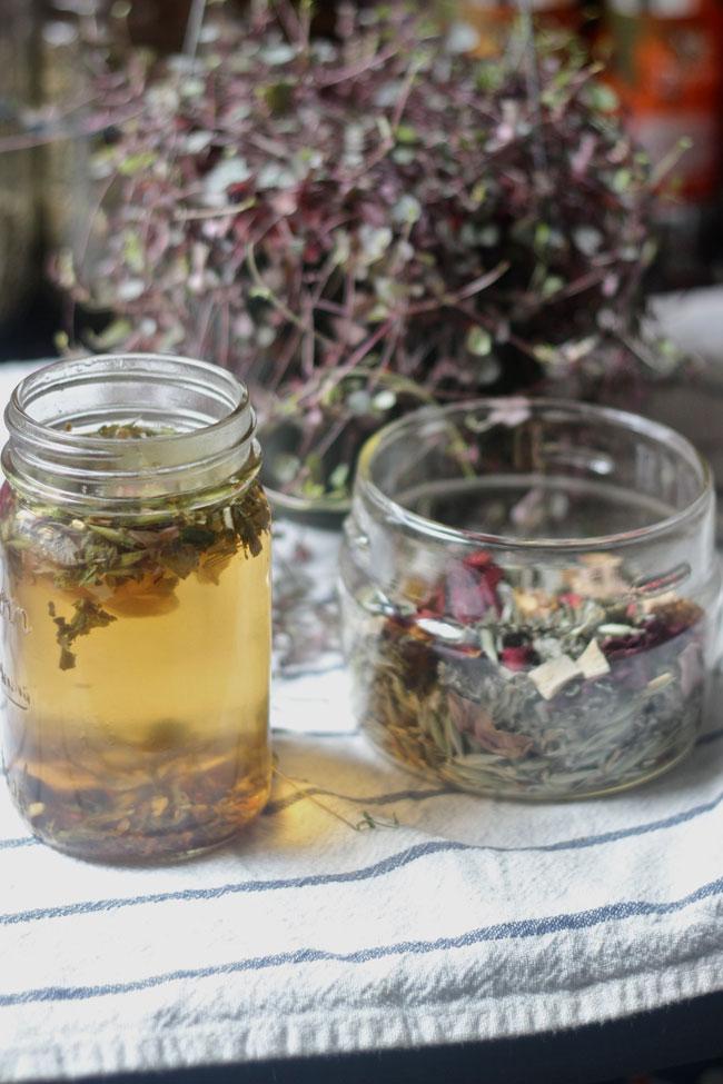 rose yarrow motherwort tea