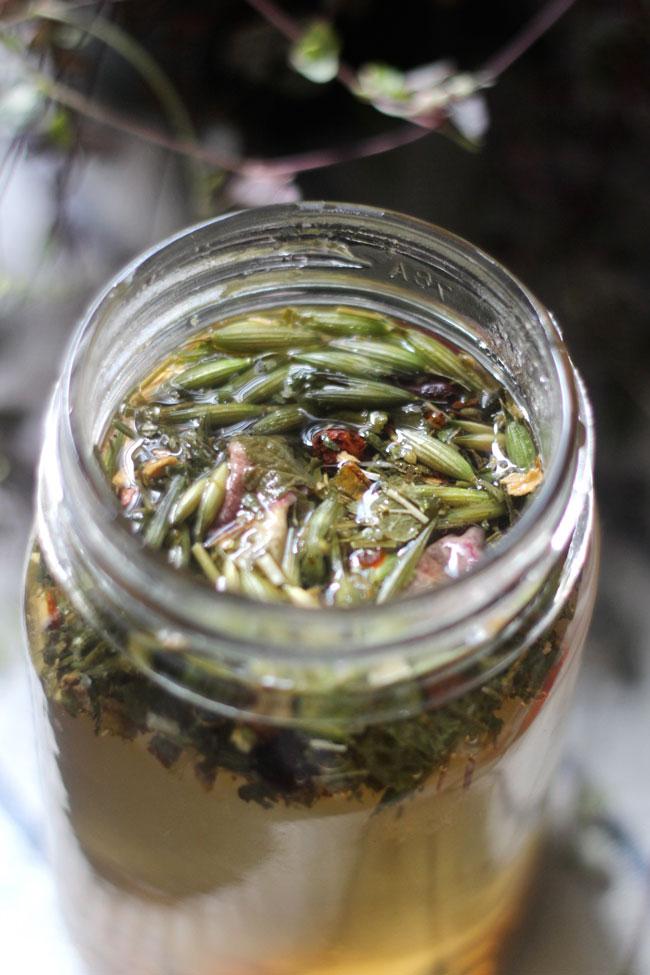 yarrow motherwort herbal tea